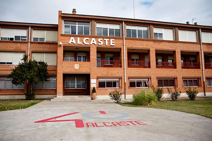Fachada Colegio Alcaste-Las Fuentes en La Rioja.