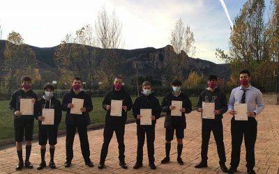 Alumnos obtienen sus títulos de Cambridge en tiempos de pandemia
