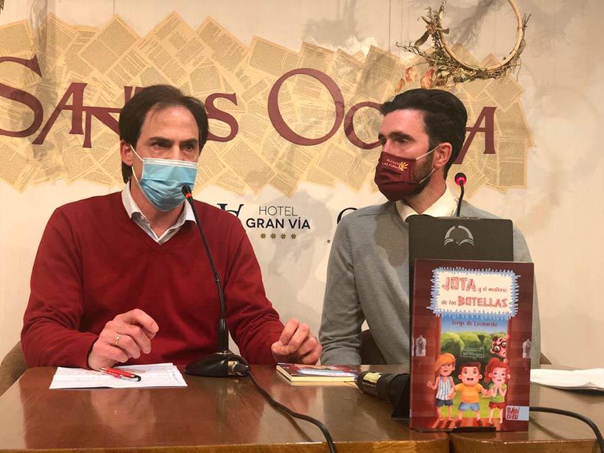El profesor Jorge de Leonardo publica una novela infantil